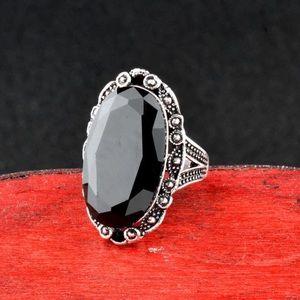 New beautiful Vintage Big Black Oval Stone Ring